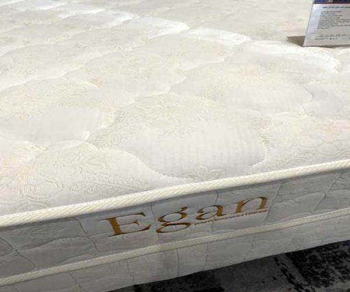 Đệm lò xo Hanvico Egan chính hãng hoa thêu màu trắng